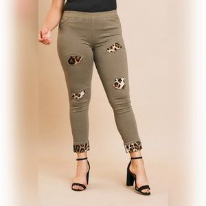 Skinny Pants with Animal Patches